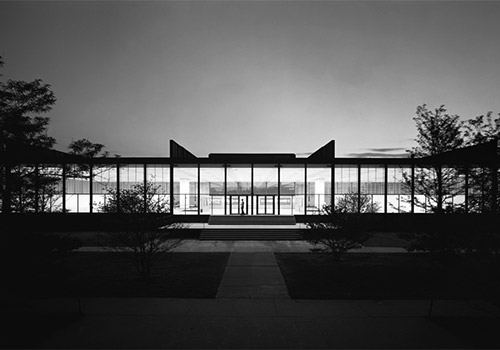 Ludwig-Mies-Ven-der-Rohe_500x350